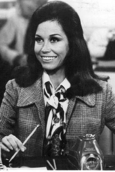 The Grief Behind Mary Tyler Moore's Smile